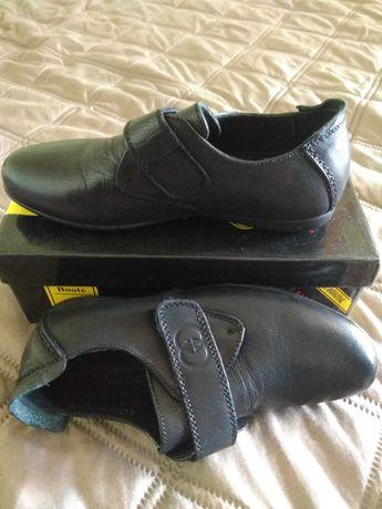 Новые полностью кожаные туфли 28 размер
