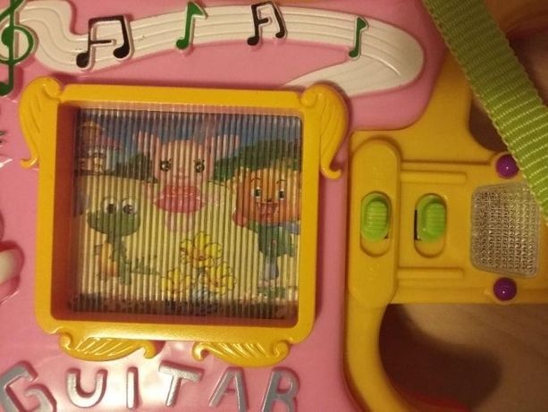 Muzyczna gitara na baterie