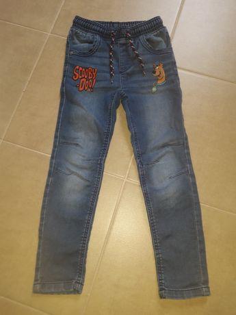 Miękkie jeansy dla szczupłego chłopca 116