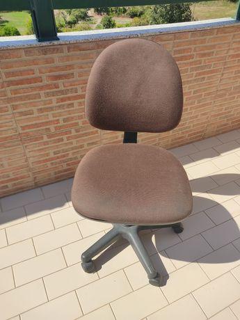 Cadeira para secretária de escritório /quarto