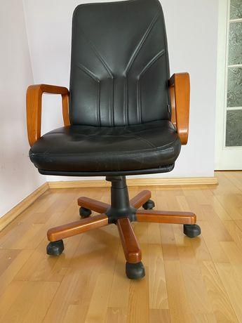 Fotel biurowy czarna skóra