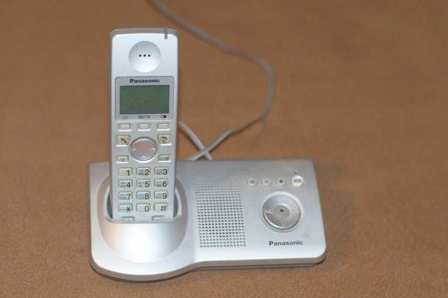 Радиотелефон для дому и офису panasonic KX-TG7127UA.