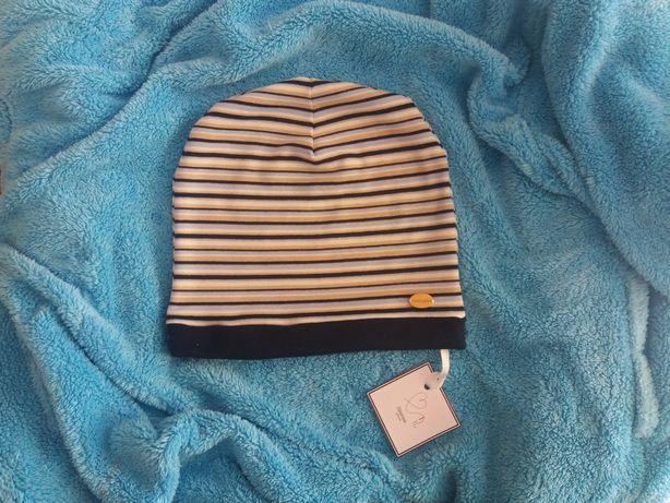 Nowa czapka dla chlopca na okolo 11-12 lat na wiosnę w paseczki modna