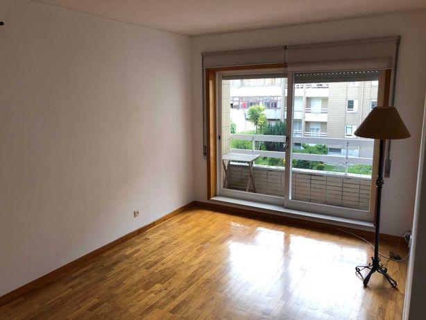 Apartamento T1 Condomínio fechado