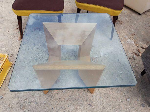 Dwa fotele klubowe i stolikszklany