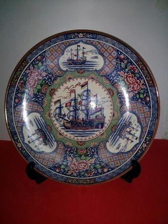 Grande prato imari china anos 60.