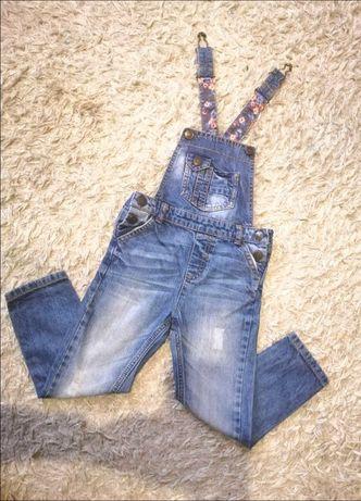 Стильный джинсовый комбинезон Mothercare джинсы на 4-5 лет