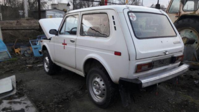 ВАЗ НИВА-2121,раздатка нива,карданы,диски колёсные,стекла,коробка пере