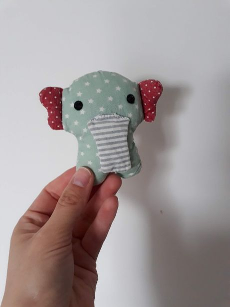 Grzechotka na nóżkę lub rączkę, zabawka dla niemowląt, Franck Fischer