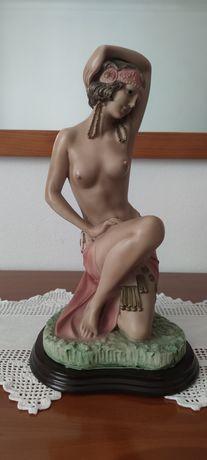 Estatuetas para decoração