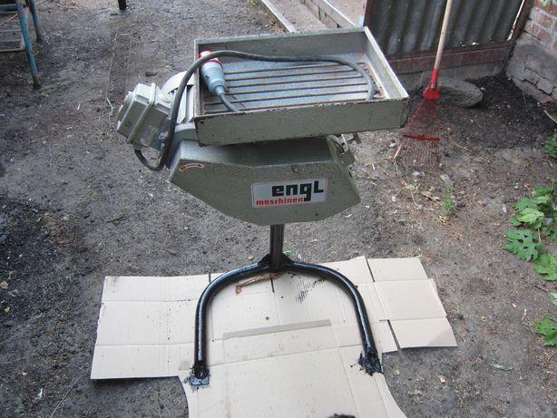 Продам зернодробилка роликовая немецкая