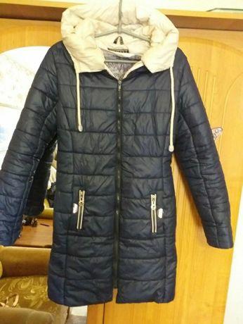 Дешево! Красивая куртка( весна/ осень) для девочки подростка!