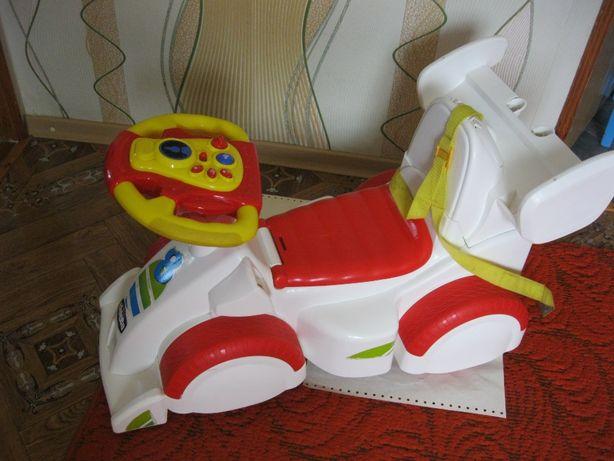 Продам машинку толокар детскую