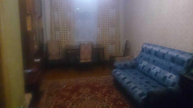 Сдам две комнаты отдельные с хозяином на Титова 14а,4000+ ком.,50/50%