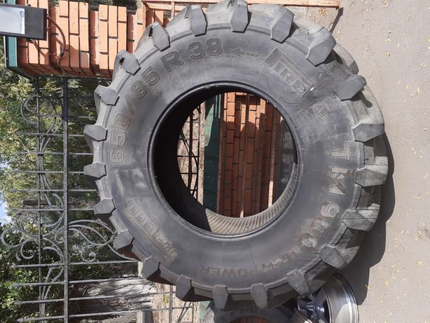 Шина с комбайна! Pirelli TM 900!Размер:650/85R38