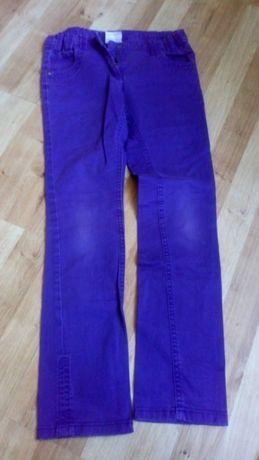 Fioletowe spodnie jeansy rurki yigga 146