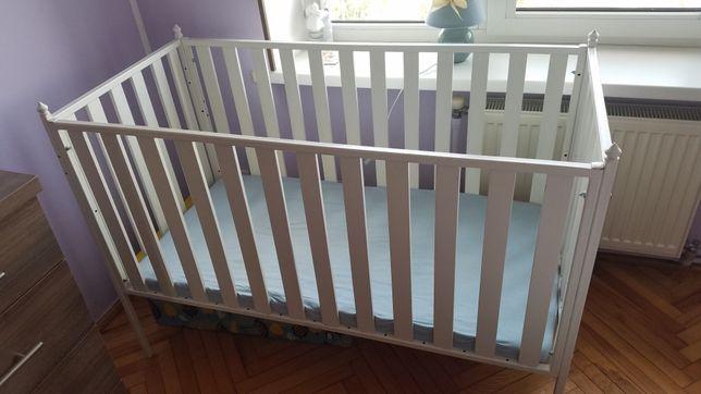 Дитяче ліжко, ліжечко з матрасом.
