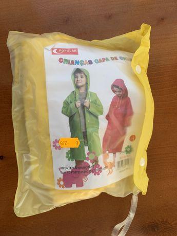 Capa de chuva para criança. Unisexo. Cor amarela. NOVO
