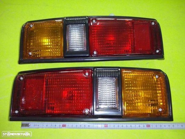 Farolins trás Toyota Hilux LN40 Hiace LH11 (Novos)
