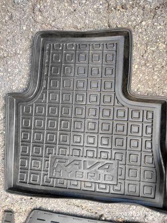 Резинові коврики для Toyota RAV4 Hybrid