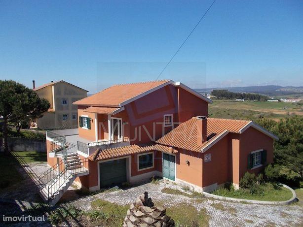 Moradia T4 (485 m2) - Terreno (12.400 m2) - Vista Panorâmica - Cenário
