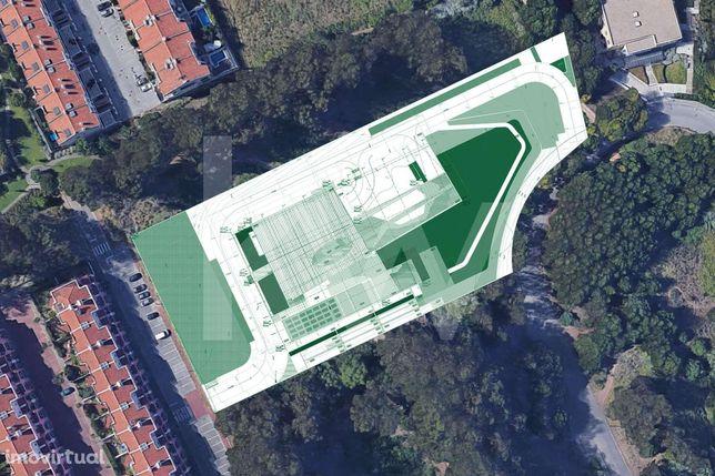 Lote de Terreno com 9052 m2 junto ao Oeiras Golf & Residence, c/Projet