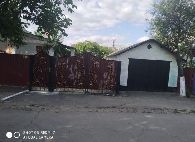 Продам большой дом.