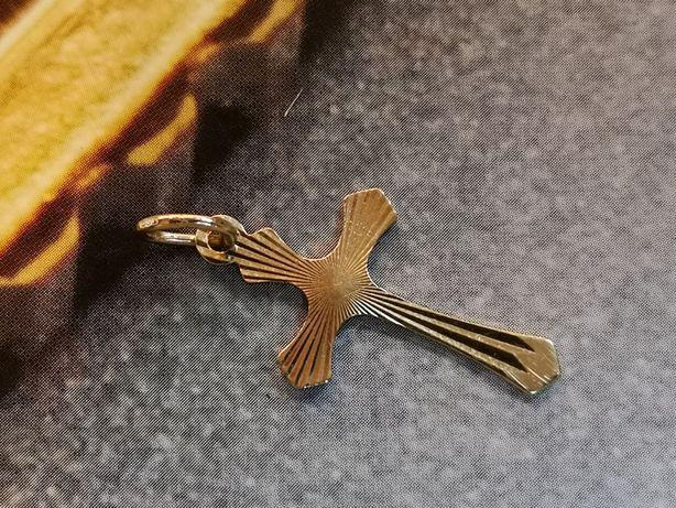 K. złoty ładny krzyżyk złoto 585, zawieszka - krzyżyk