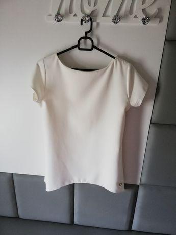 Biała bluzeczka na krótki rękaw /ella boutique / tył zdobiony guzikami