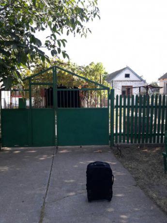 СРОЧНО продаю дом или( меняю )  на квартиру в Очакове. Торг.
