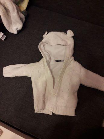 Sweterek ocieplany dla niemowlaka 62/68