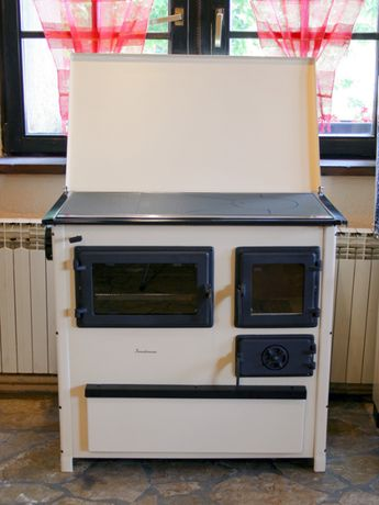 TREND Kuchnia, piec kuchenny z pokrywą na paliwa stałe.