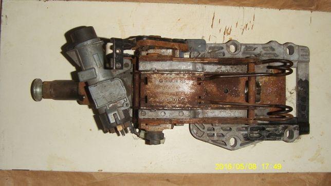 Продам колонку рулевую с ключом Audi A6 C5 2.5 tdi 98-04