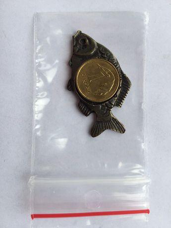 Amulet talizman Karp z monetą znak zodiaku-ryby