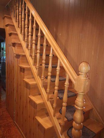 Sprzedam schody z balustrada