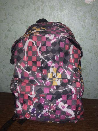 Яркий,стильный рюкзак для ребенка или подростка.