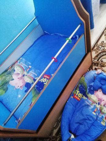 Дитяче ліжечко +кокон і матрас