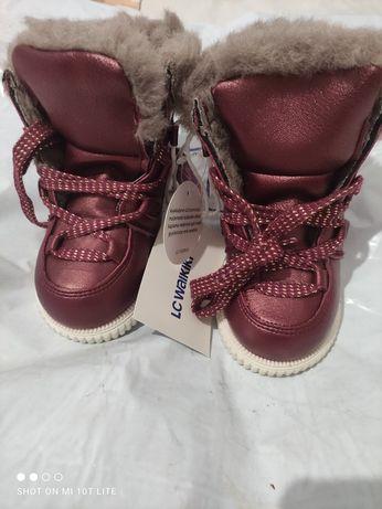 Новые зимние ботинки,сапожки Lc Waikiki 25 р