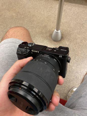 Sony a6300 z obiektywem