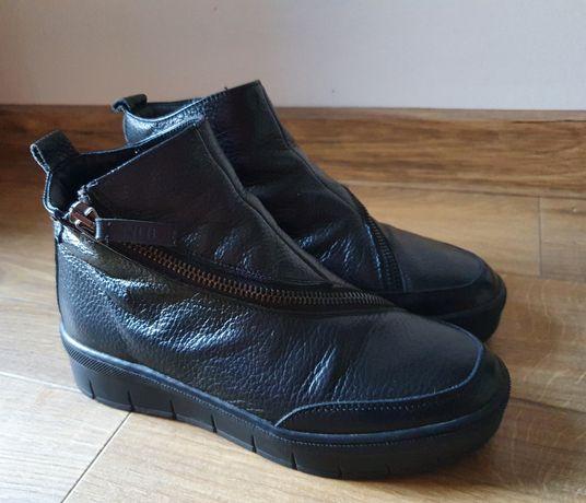 Buty damskie Nude r. 35, dł. wkladki 22