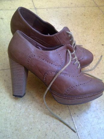 Sapatos/ Botins