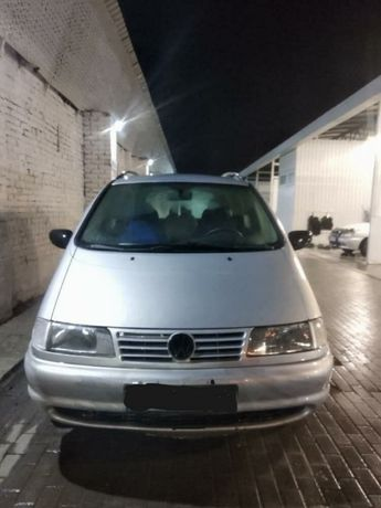 Продам , терміново Volkswagen Sharan