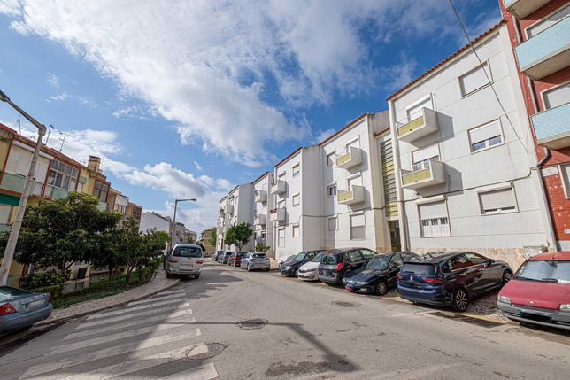 Apartamento T2 (Remodelado) - Castanheira do Ribatejo