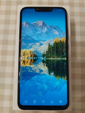 Huawei P Smart plus + 3 чехла