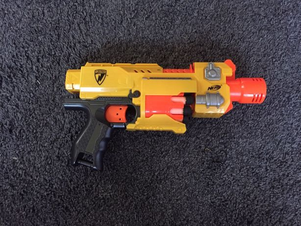 Pistolet na strzałki Nerf!!!