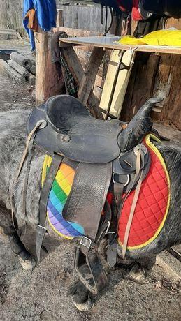 Седло на пони лошадь