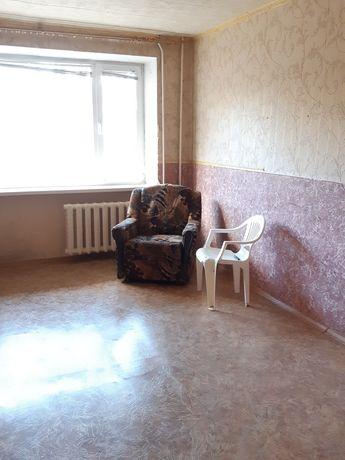 Продам 2-х комнатную квартиру на 3 мкрн.