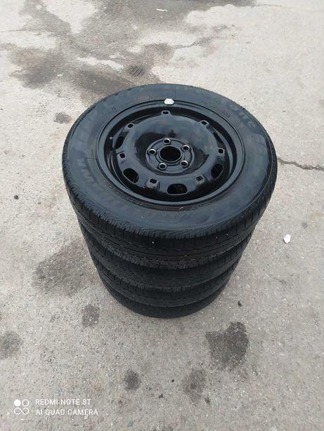 Комплект резины с дисками шкода фабиа  R14 165/70