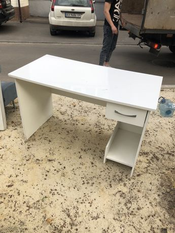 Продам стол письменный офисный