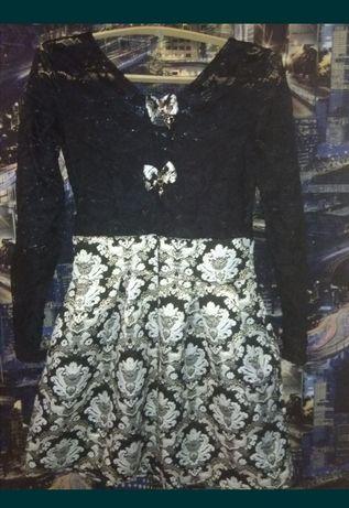 Продам  молодежное платье